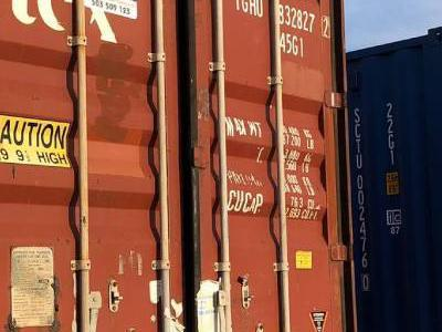 kontenery czerwone